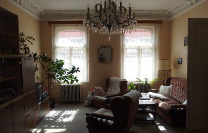 """למכירה דירת 3+1 יפהפיה על 101 מ""""ר בפראג 1"""