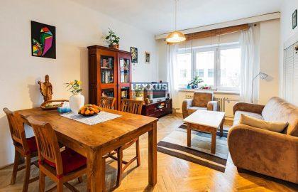 """למכירה דירת 3+kk על 70 מ""""ר בפראג 4"""