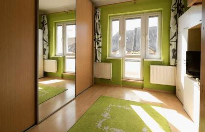 למכירה להשקעה דירת 2+kk עם 2 מרפסות במיקום מצויין בפראג 4