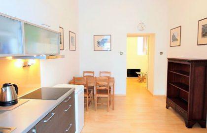 """למכירה דירת 2 חדרים 37 מ""""ר בפראג 2 וינוהרדי"""