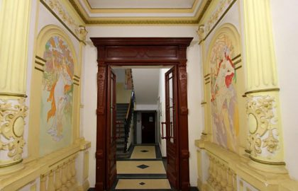 """למכירה בפראג דירת 2 חדרים בגודל 38 מ""""ר בבניין עתיק"""