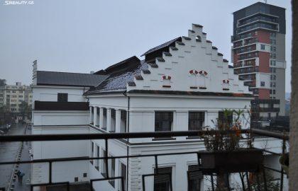 """למכירה דירת 2+kk מעוצבת בגודל 49 מ""""ר בפראג 7"""