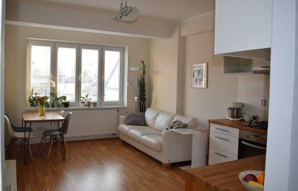 דירת 2 חדרים משופצת למכירה בשכונת ז'יז'קוב בפראג