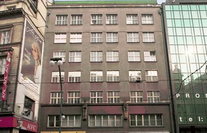 למכירה בניין משרדים בפראג 1 ליד התיאטרון הלאומי