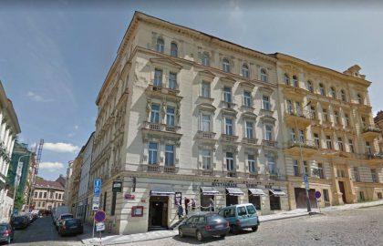 """למכירה בפראג 3 בניין מגורים ומסחר בגודל 1482 מ""""ר"""