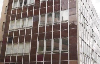 """למכירה בניין משרדים בפראג 10 בן 4 קומות בגודל 2060 מ""""ר"""