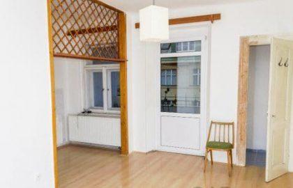 """למכירה בפראג 2 דירת 3+ KK בגודל 74 מ""""ר"""