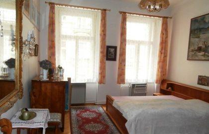 """למכירה דירת 89 מ""""ר, 3 חדרים+מטבח, מיקום מעולה ליד קניון הפלדיום, פראג 1"""
