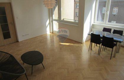 """למכירה דירה מפוארת בפראג 4 שכונת נוסלה. 59 מ""""ר להשקעה"""