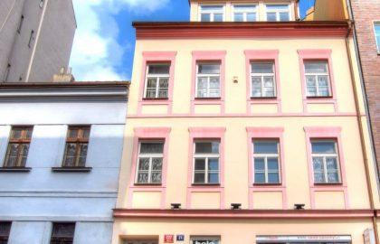 """למכירה בניין דירות בגודל 350 מ""""ר בפראג 10"""