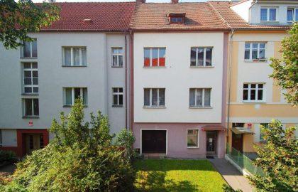 נכס שמור: למכירה בפילזן בניין בן 4 קומות בשכונת בורי