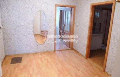 """למכירה בפראג 6 דירת 3+1 בגודל 103 מ""""ר"""
