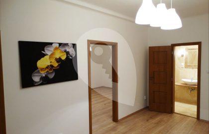 למכירה בפראג 6 דירת 2+KK משופצת