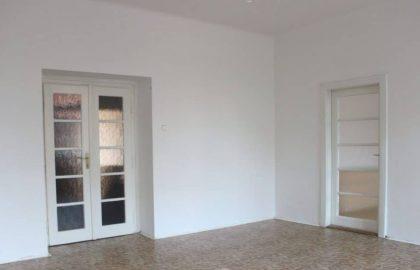 """למכירה בפראג 6 דירת 3+1 בגודל 115 מ""""ר"""