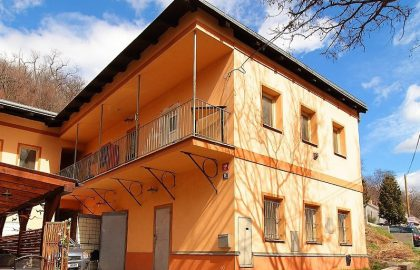 """למכירה בפראג 4 בניין דירות בגודל 299 מ""""ר"""