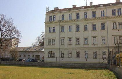 """למכירה בברנו דירת 2+1 בגודל 72 מ""""ר"""