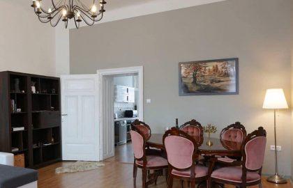 """למכירה בברנו דירת 2+1 בגודל 83 מ""""ר"""