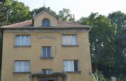 """למכירה בפראג 4 בניין מגורים בגודל 300 מ""""ר"""