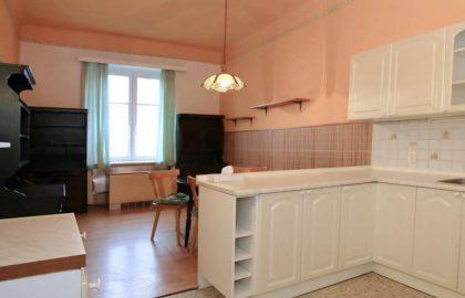 """למכירה בפראג 9 דירת 1+1 בגודל 63 מ""""ר"""