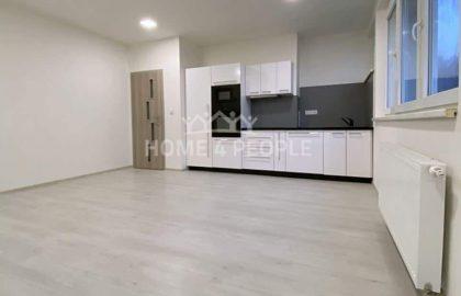 """למכירה בפראג 6 דירת 2+KK בגודל 42 מ""""ר"""