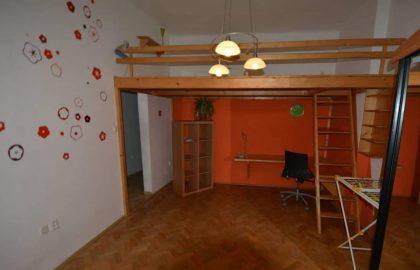 """למכירה בפראג 3 דירת 1+1 בגודל 41 מ""""ר"""