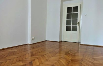 """למכירה בפראג 6 דירת 1+1 בגודל 42 מ""""ר"""