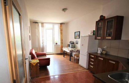 """למכירה בפראג 4 דירת 3+KK בגודל 80 מ""""ר"""