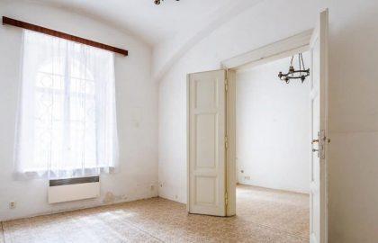 """למכירה בפראג 1 דירת 2+1 בגודל 50 מ""""ר"""