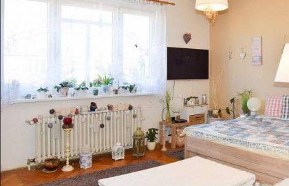 """למכירה בפראג 10 דירת 1+1 בגודל 63 מ""""ר"""