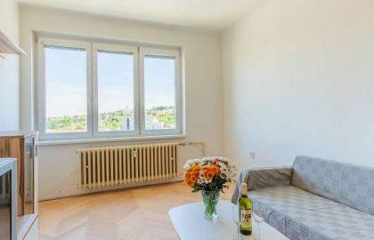 """למכירה בפראג 6 דירת 2+1 בגודל 50 מ""""ר"""