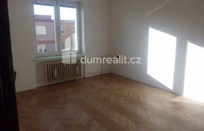 """למכירה בפילזן דירת 2+1 בגודל 52 מ""""ר"""