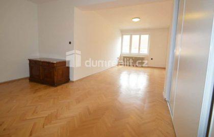 """למכירה בפראג 6 דירת 2+1 בגודל 67 מ""""ר"""