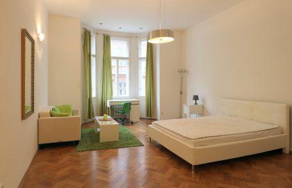 """למכירה בפראג 1 דירת 4+1 בגודל 107 מ""""ר"""