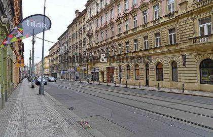 """למכירה בפראג 5 בניין דירות בגודל 1105 מ""""ר"""