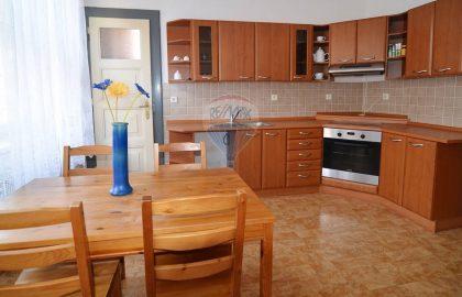 """למכירה בפראג 3 דירת 1+1 בגודל 58 מ""""ר"""