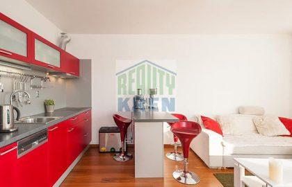 """למכירה בפראג 9 דירת 2+KK בגודל 63 מ""""ר"""