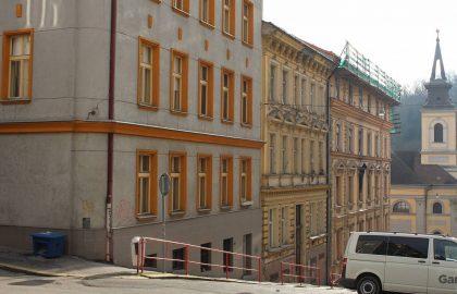 """למכירה בפראג 5 בניין דירות בגודל 956 מ""""ר"""