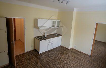 """למכירה בפראג 3 דירת 2 +KK  בגודל 45 מ""""ר"""