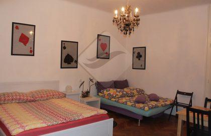 """למכירה בפראג 1 דירת 3+1 בגודל 96 מ""""ר בסמוך לכיכר ואצלב"""