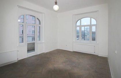 """למכירה בפראג 8 דירת 3+1 בגודל 95 מ""""ר"""