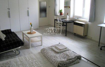 """למכירה בפראג 1 דירת 1+1 בגודל 38 מ""""ר"""