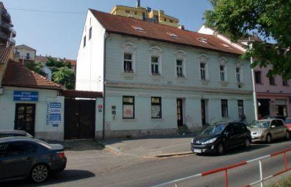 """למכירה בפראג 6 בניין דירות בגודל 537 מ""""ר"""