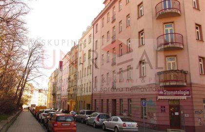 """למכירה בפראג 10 בניין דירות בגודל 741 מ""""ר"""