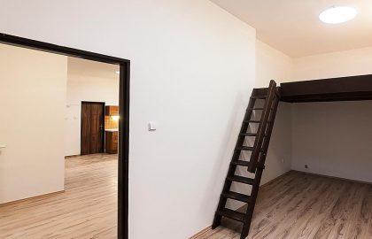 """למכירה בפראג 2 דירת 2+1 בגודל 70 מ""""ר"""